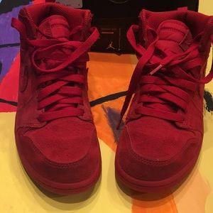 Lil kid's Jordan 1s retro high with original box